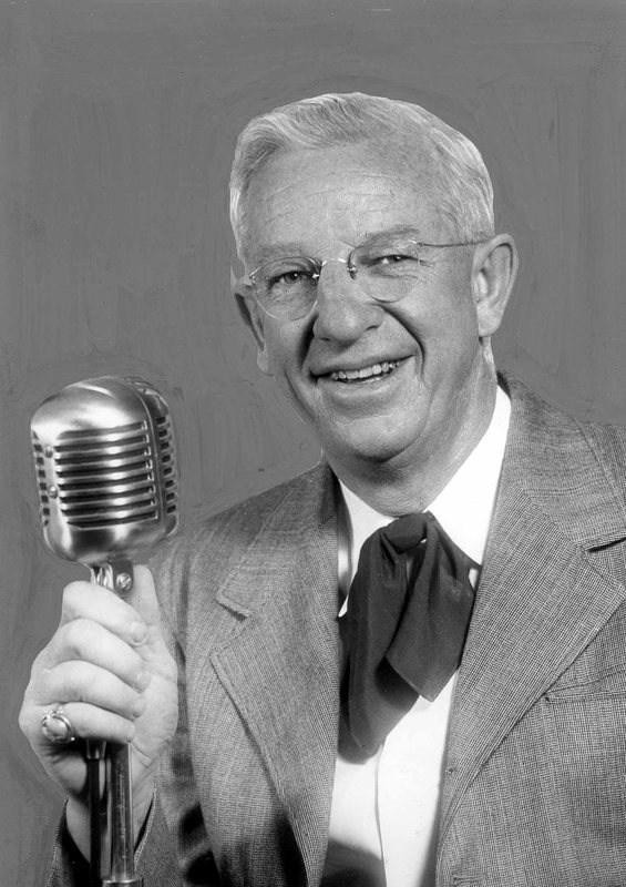 Pappy with mic protrait.jpg