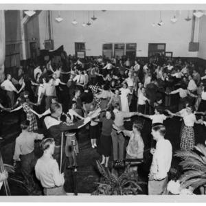 La Reunion Place, 1945-1.jpg